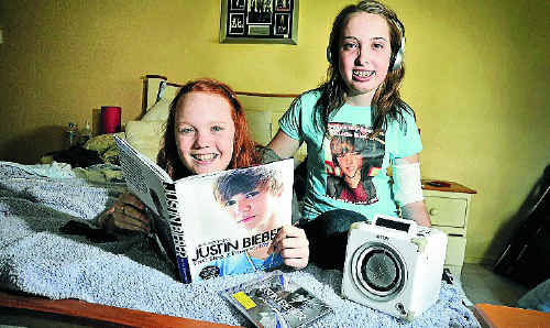 Heart transplant recipient Nadine James, right, and her friend Kristina Tricker saw Justin Bieber in concert last night.