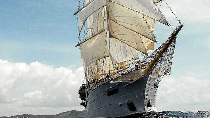 Star Flyer bears down under full sail.