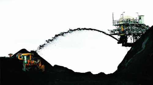 Port Alma could ship out 57 million tonnes a year if two coal export projects are approved.