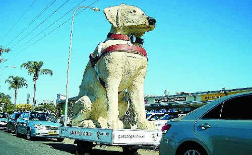 Gulliver visits Yamba Fair during its 5000km tour raising awareness for Guide Dogs Australia.