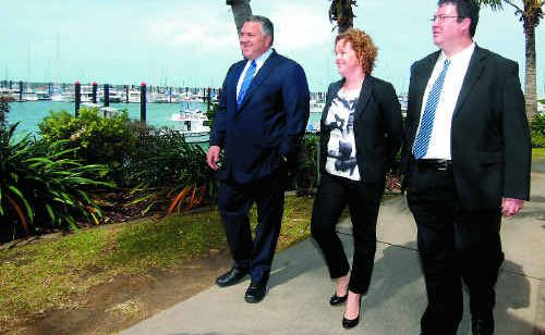 Shadow Treasurer Joe Hockey with Chamber of Commerce chairwoman Kylie Porter and Member for Dawson George Christensen.