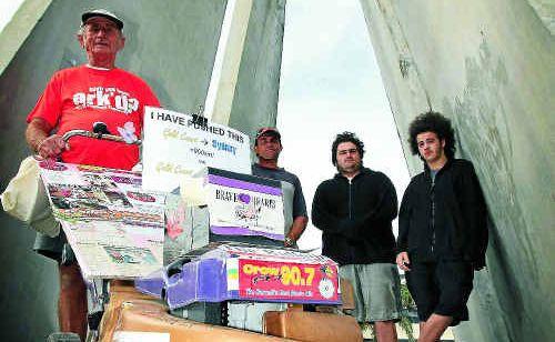 Claude Harvey is walking to raise money. Left to right in background Ian Harvey(son), Ben Foyel and Jess Foyel.