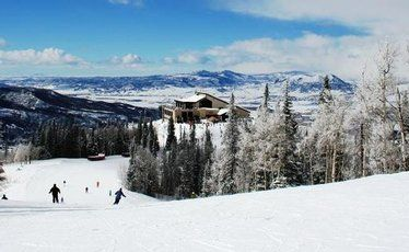 Steamboat Springs offers 1200 skiable hectares plus horse-riding and a hot soak.