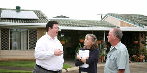 Member for Dawson George Christensen discusses the problem with Marilyn Hastings and Darren Jones, of Parkview Gardens Retirement Village.