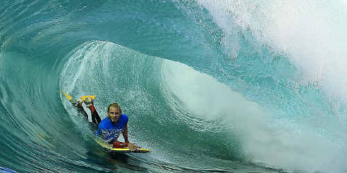 Mullumbimby's Dave Winchester rode a beautiful wave to score 7.8 in the final of Cronulla's Shark Island Challenge.