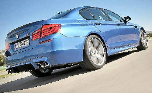 The new BMW M5 engine size drops from V10 to V8.