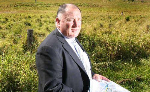 Lockyer Valley Mayor Steve Jones calls for a united stand against New Zealand potato imports.