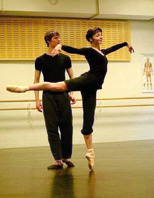 Jessica Thompson and Peter Wilson prepare for the ballet.