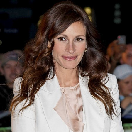 Julia Roberts had a troubled relationship with her half sister.