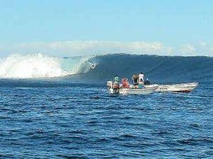 Fiji's waves keep drawing crowds