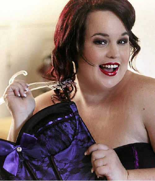 Single mother Tanya Jackson has been nominated in the AusMumpreneur Awards for her Burlesque & Pin-Up Couture online business.