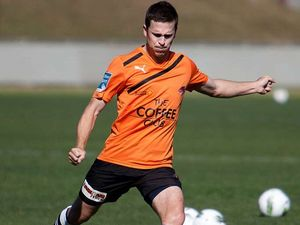 Socceroos midfielder signs two-year deal with the Roar