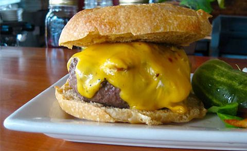 How many varieties of cheeseburgers are in the US?