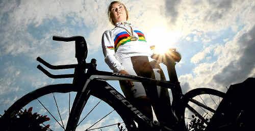 Emily Roper secured a gold medal as part of the triumphant Australian pursuit team.
