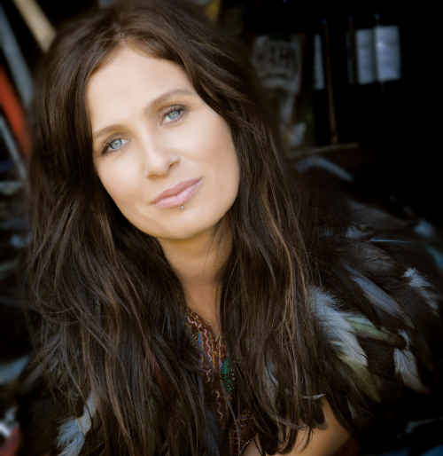 Kasey Chambers will be in Capella tomorrow night.