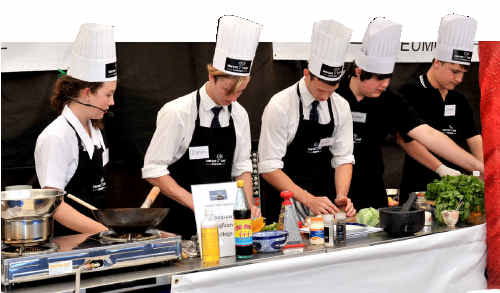 Student cooks turn up the heat in Eumundi's Market Chef grand final.