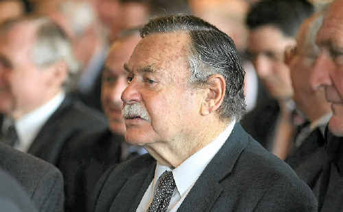 Ron Barassi will be the special guest at tomorrow morning's AFL Mackay grand final breakfast.