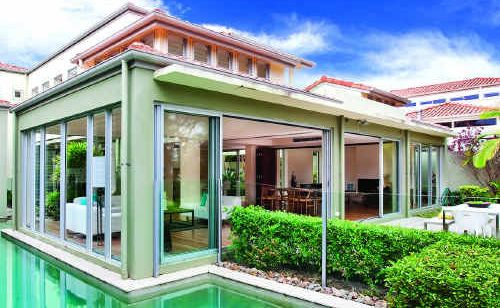747 The Palms, Noosa Springs, is going to auction with Dowling and Neylan Real Estate.