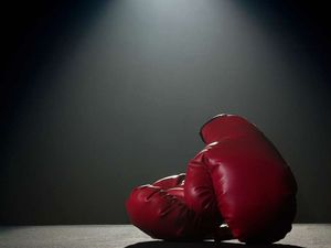 Bigger gloves may help avert injuries: boxing trainer