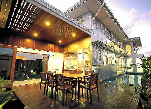 TOP HONOURS: Quail Constructions won the HIA Sunshine Coast House of the Year Award on Friday night for this Wurtulla home design.