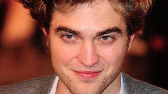 Twilight heartthrob Robert Pattinson is working on recording his debut music record.