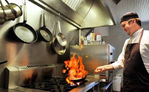 Ave Restaurant chef Robert English won this year's Signature Dish competition.
