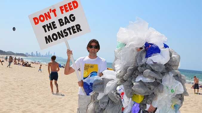 Aaron Lockwood and Seb Binnewies want Burleigh Heads to be the first Gold Coast suburb to go plastic-bag free.