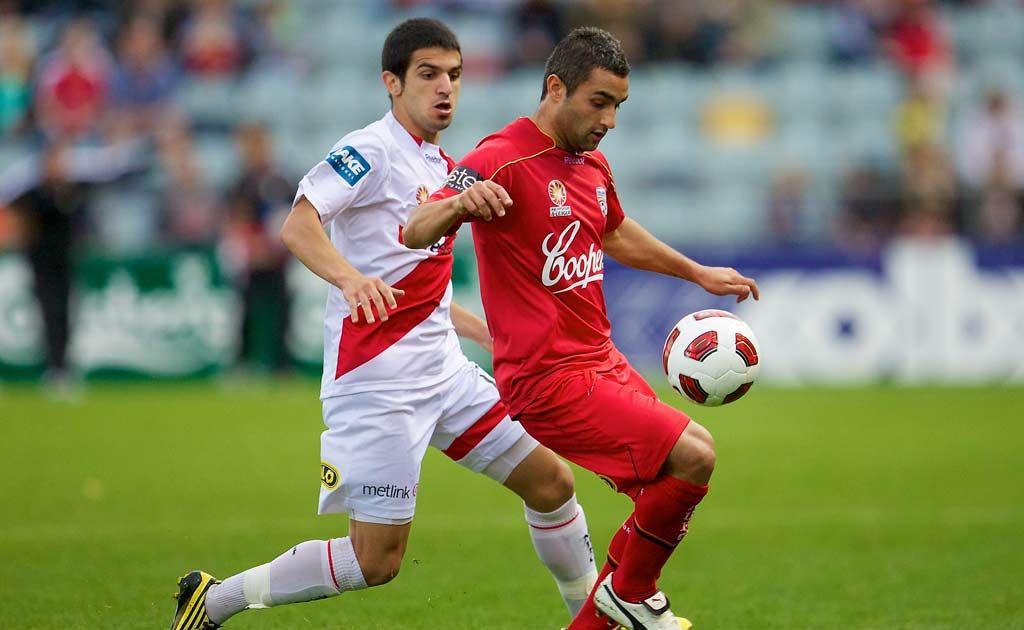 Lucas Pantelis playing for Adelaide United.