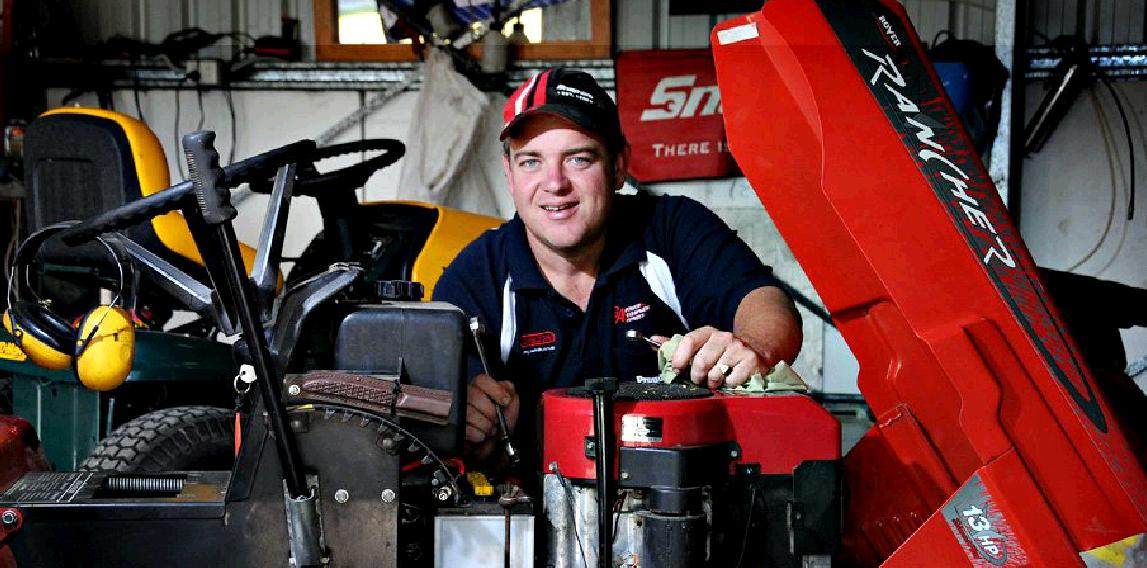 Chris Hulskamp is bouncing back after unexpectedly losing his job over a year ago, establishing himself as a mower repair man at Curra.