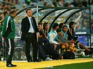 Osieck and Socceroos papering over the cracks