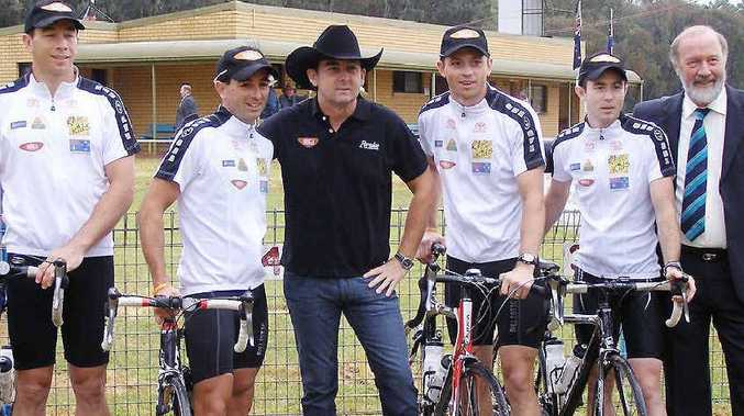 Referees Ben Cummins, and Gerard, Bernard and Chris Sutton will join Lee Kernaghan in a 1000km charity bike ride.