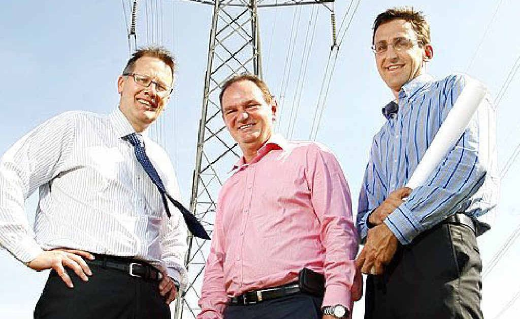 Michael Hutchinson, a director at Tru Energy, Mayor Paul Pisasale and John Deans, development manager at Swanbank Enterprise Park, announce the building of a new gas power station.