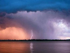 Storm's fury hits Warwick