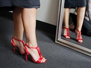 Health risks don't dampen women's love of high heels