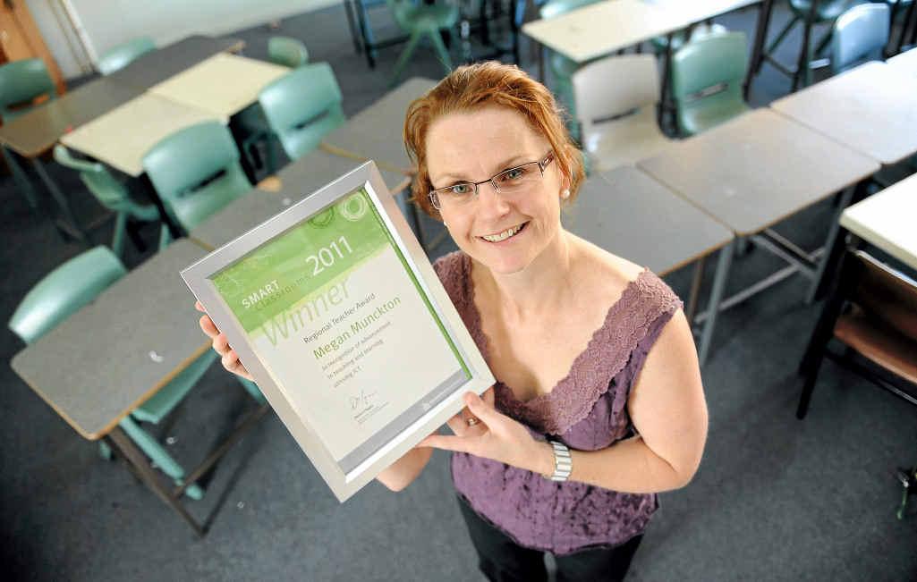 Kepnock High School mathematics teacher received the Regional Teacher Award for advancement in teaching and training as part of the 2011 World Teacher's Day celebrations.