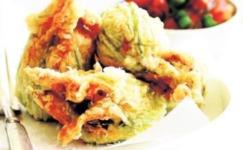 Recipe courtesy of Lindeman's ambassador and celebrity chef Dominique Rizzo.