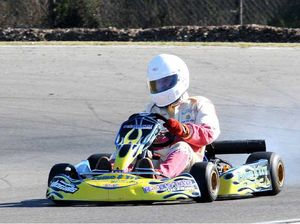 Pagel overtakes Boofhead in kart