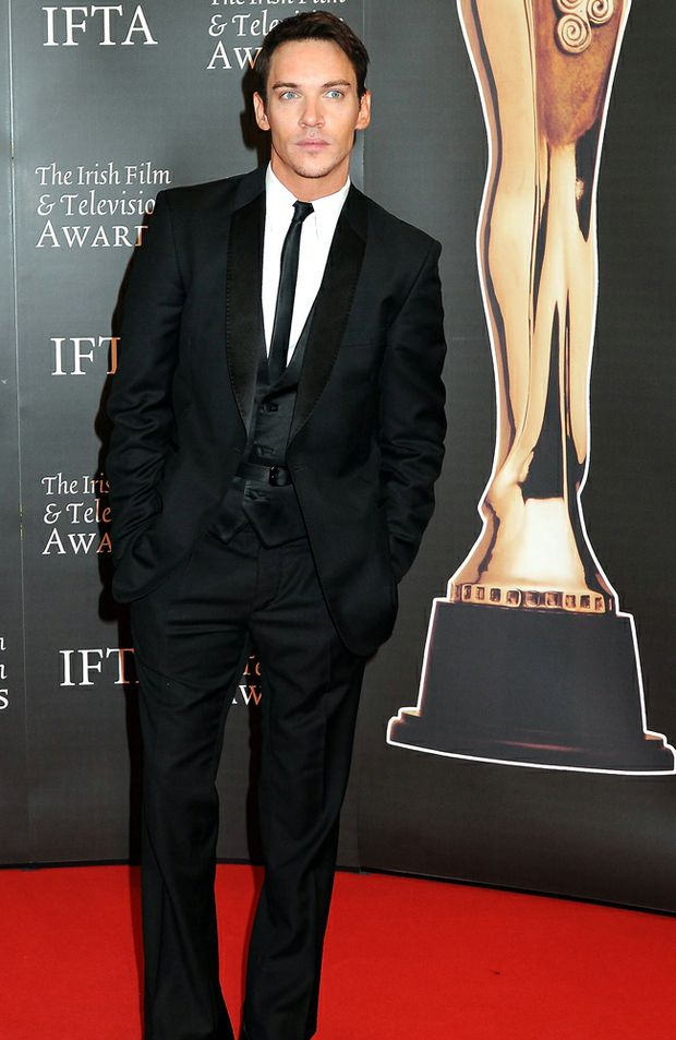 Jonathan Rhys Meyers.