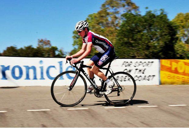 Maryborough's Jay McCarthy has won the prestigious 2011 Darren Smith Memorial Award for road cycling.