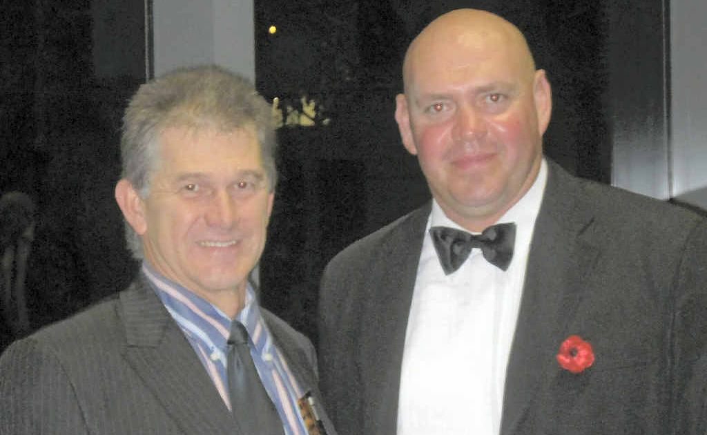 RoadTek General Manager Clinton Huff and Construction Trainee of the Year Arnold Alldridge (right).