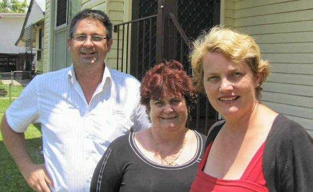 Minister Karen Struthers with Barbara Mayfield and Andrew Stewart of Mackay.
