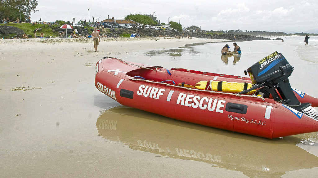 Rescuers search for missing bather at Byron Bay.