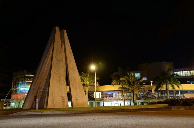 The border monument in Tweed/Coolangatta.