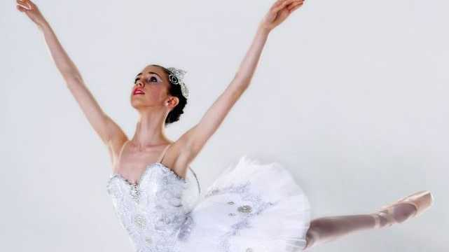 Toowooomba ballerina Isobelle Dashwood has just won a national bursary.