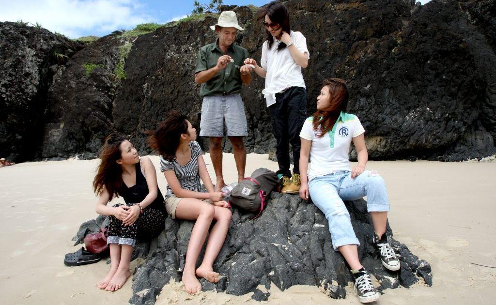 Franc Krasna with students (L to R) Asuka Fuda, Akiko Matsushima, Shiina Kikuchi and Saori Konno.