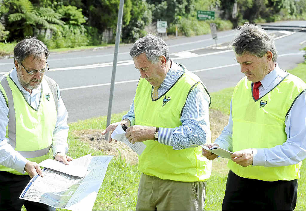 Retiring Ballina MP Don Page (right) pictured at Bangalow in 2011 with Pacific Highway upgrade general manager Bob Higgins (left) and NSW Roads Minister Duncan Gay.