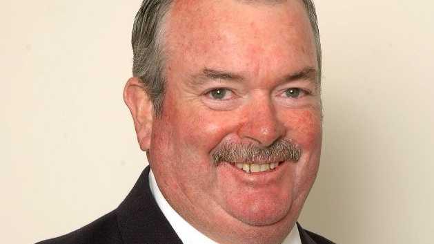 Cr Keith Rhoades