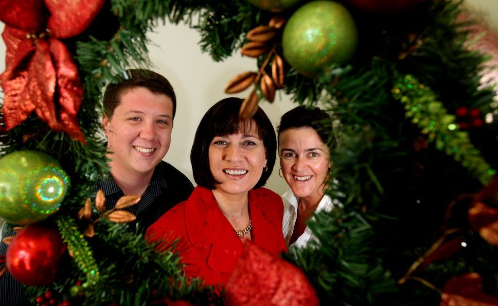 Local MP Justine Elliot joined staff members Reece Byrnes and Jodie Bellchambers to wish the community a happy Christmas.