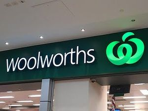 Woolies pleases investors