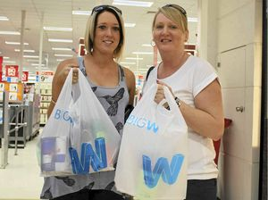 Bargains lure shoppers to spend